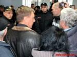 В Виннице несколько десятков пенсионеров решились на штурм горсовета из-за высоких тарифовЖКХ