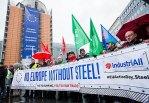 Зарплатный спор вывел немецких металлургов на акциюпротеста